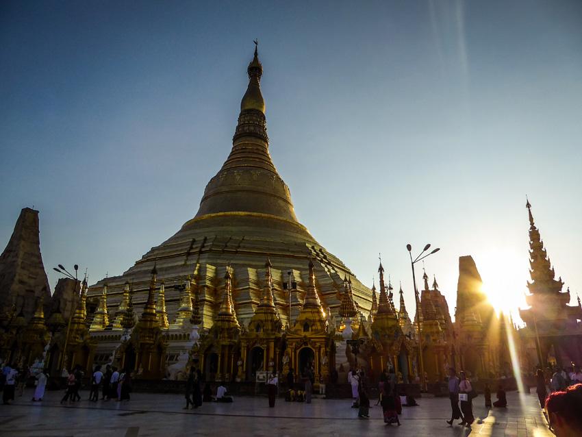 Shwedagon pagoda, rangoon yangon Myanmar
