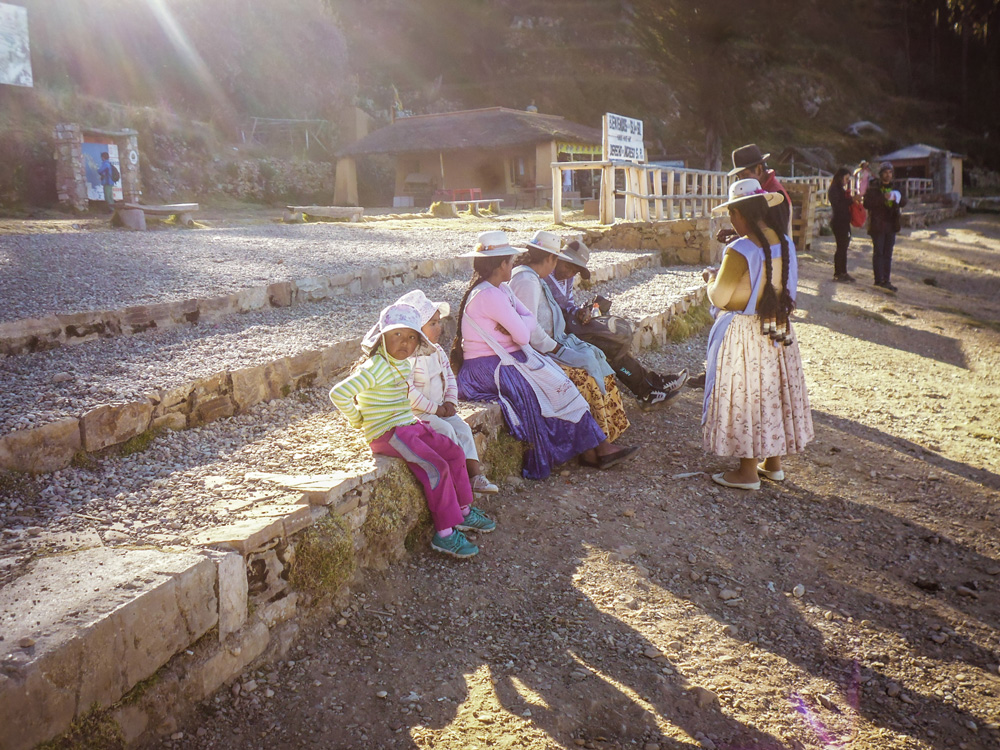 Local People in Isla del Sol - lake titicaca - Bolivia